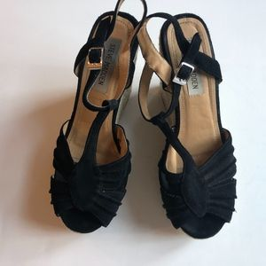 Steve Madden Black Suede Mammbow Wedges 7.5